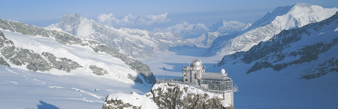 Aerial photo looking southwards of the building with its observatory on the summit of the Jungfrau.